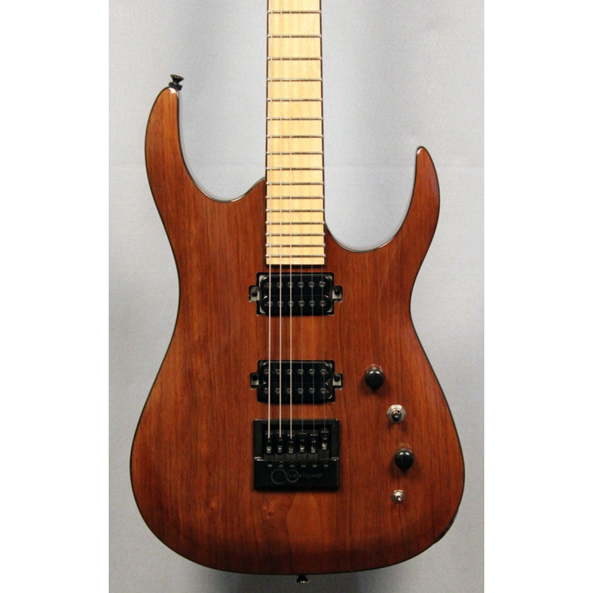 halo custom guitars merus 6 string with evertune. Black Bedroom Furniture Sets. Home Design Ideas